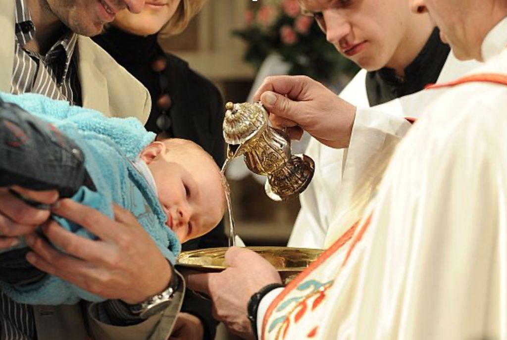 Želite krstiti otroka?